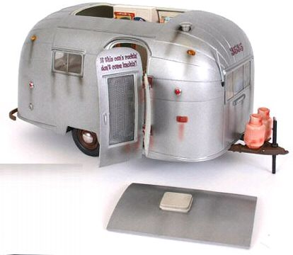 entlang 1 18 scale airstream camper by motor city classics